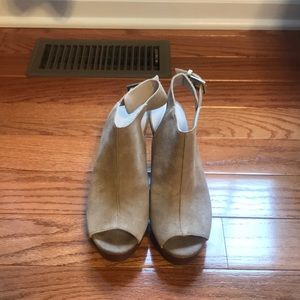 Never worn before Kenneth Cole wedges